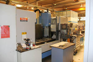 Used vertical machining centre - working area
