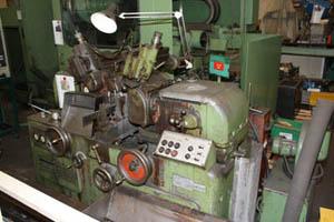 Spitzenlos-Rundschleifmaschine gebraucht Detail